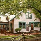 Evergreen Cottage Inn
