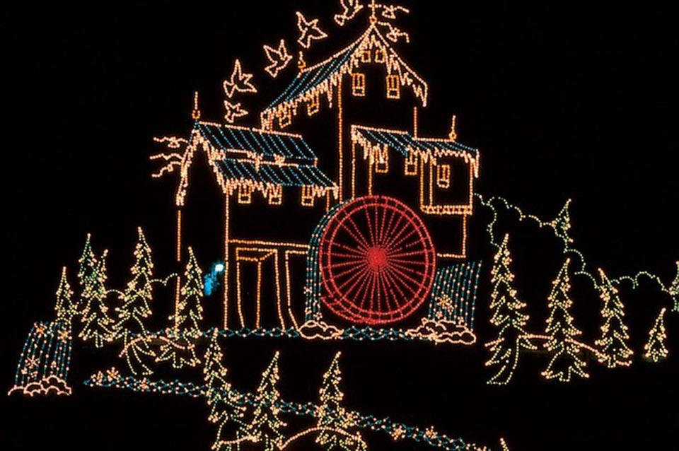See the lights in Pigeon Forge during Winterfest